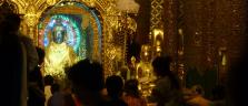 Abend-Stimmung bei der Shwedagon Pagode in Yangon